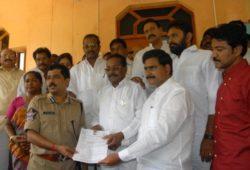 Vijayawada top cop P S R Anjaneyulu in dock for lewd calls, SMSes – The Times of India